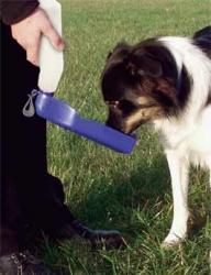 Lahev na vodu pro psy plast cestovní 750ml